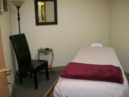 Our Relaxing Acupuncture & Massage Room